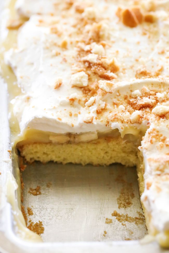 Banana Cream Pie Sheet Cake... Delicious and simple cake topped with the most…