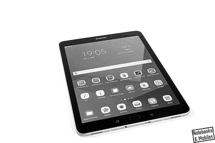 Samsung Galaxy Tab S3. Schlank, stabil, mobil und sehr chic. Mit tollem Eingabestift, sehr gutem Display und ausreichend potenter Hardware gibt es hier kaum was zu mäkeln. Den ausführlichen Testbericht findet man bei Notebooks & Mobiles: https://notebooks-und-mobiles.de/samsung-galaxy-tab-s3-im-test