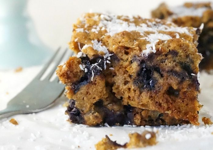 Blueberry breakfast cake - Mind Your Feed