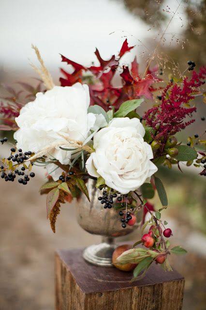 fall arrangement | via The Sweetest Occasion