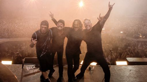 Metallica Tease 'In-Your-Face Year' (2016)