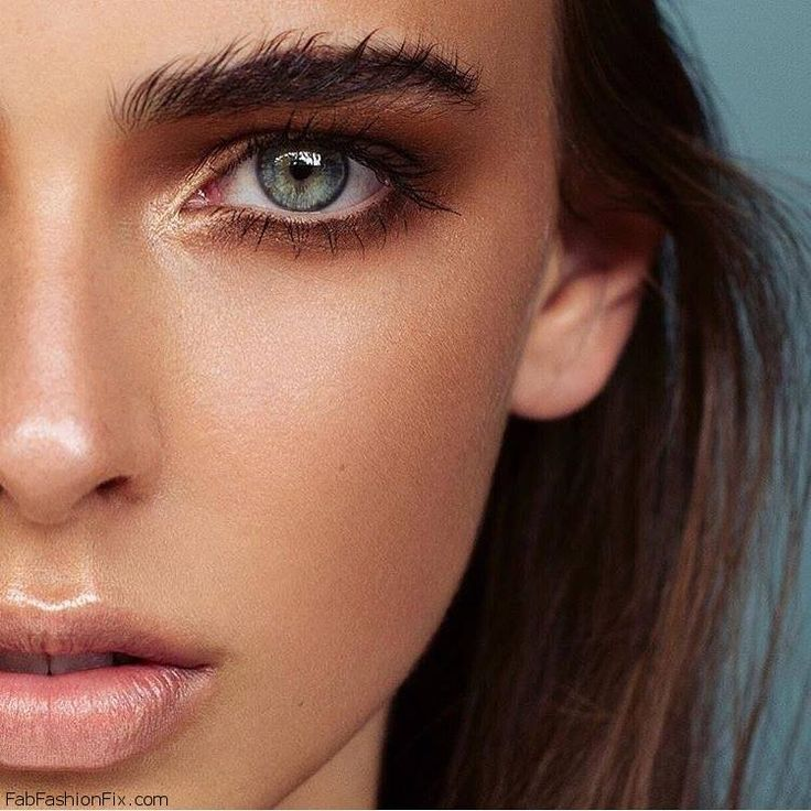 What is strobing? How to do strobing technique like a pro? #highlight #strobing #makeup