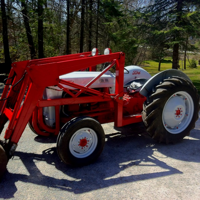 Ford 600 Tractor Hood : Best ford tractors images on pinterest