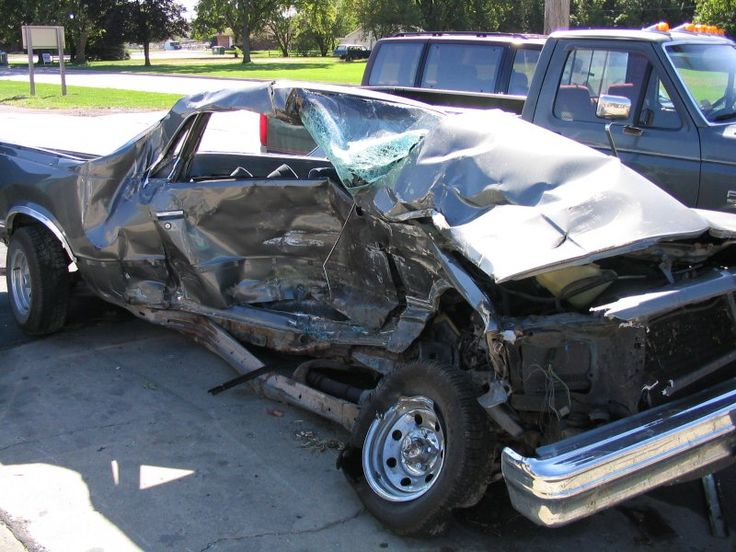 5 Things to Do If You Are in a Car Accident Stuff to do right after you've been in a car accident.