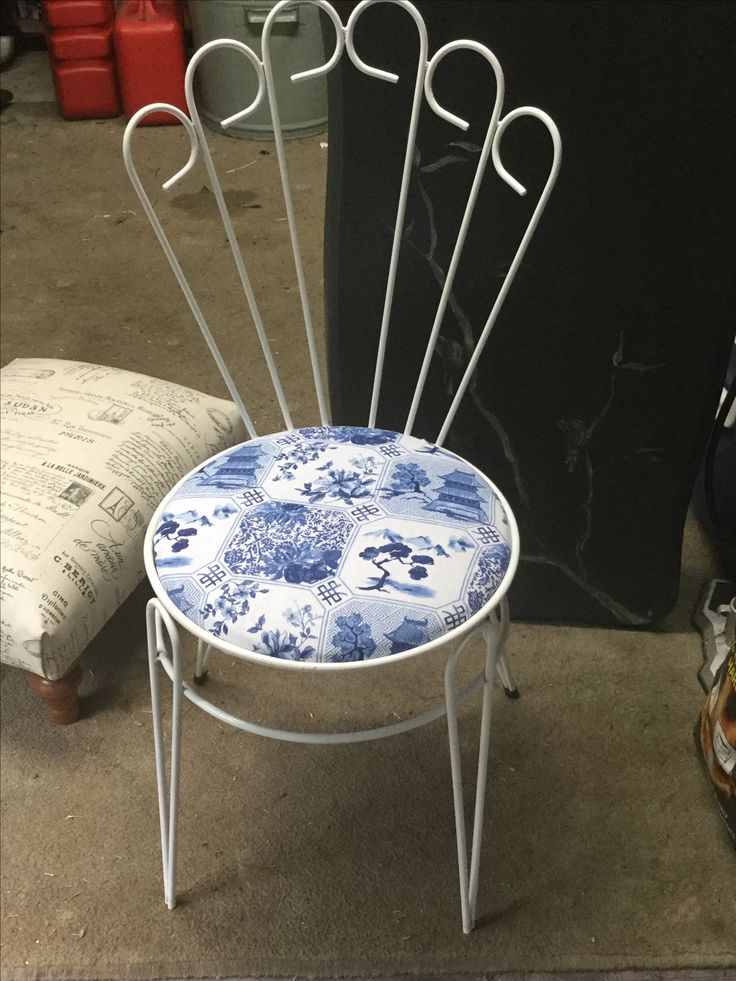 Sweet little upcycled ladies bedroom or bathroom chair ready for my stall.