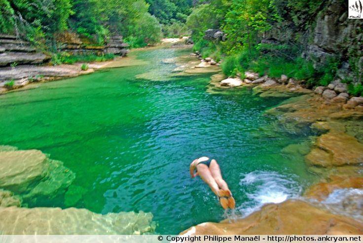 Plongeon dans le rio Guatizalema (Sierra de Guara, au pays des canyons / Espagne) - Ankryan Photos