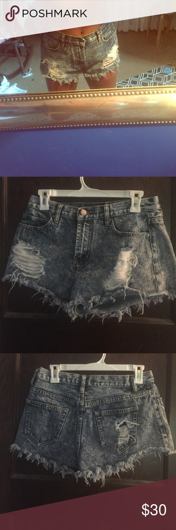 Size 28. Distressed acid wash jean shorts I bought these at forever 21 and wore them all the time! Amazingly cute and still in great condition :) Forever 21 Shorts Jean Shorts