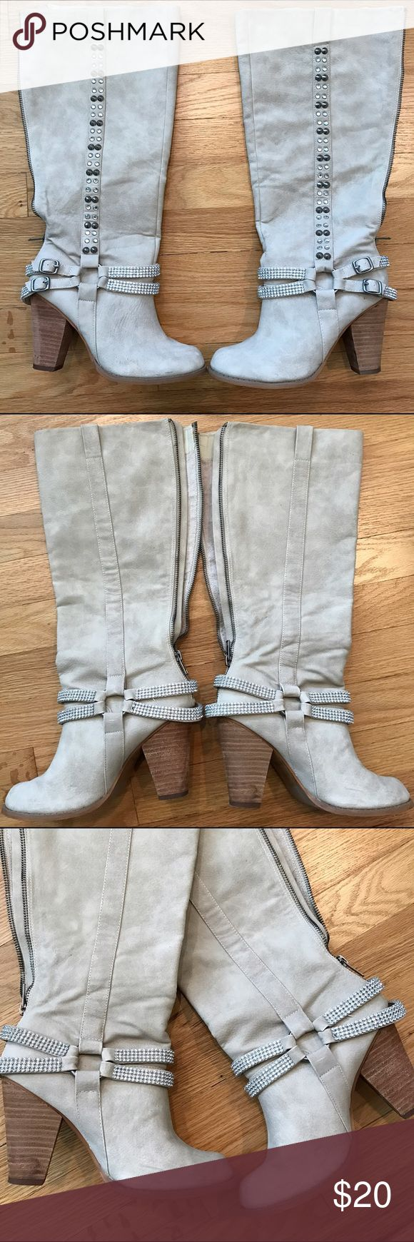 NOT RATED Women's Knee High Boots Rhinestone 6.5 NOT RATED Women's Knee high Boots.Zip Up and rhinestone Detail.  Condition: Excellent condition overall  Heel height: 3.5 inches Material: man made Size: Women's 6.5 Color: Light beige / cream Not Rated Shoes Heeled Boots
