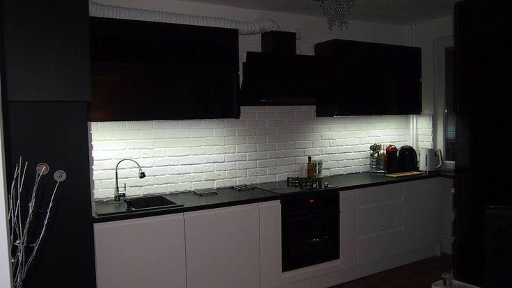 Zabudowa kuchni w kolorze black&white