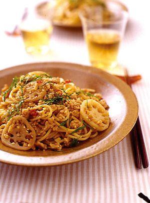 れんこんと鶏ひきのにんにくスパゲティ   武蔵裕子さんのレシピ ...