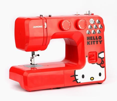 OH POR DIOS! Necesito una de estas señor de las costuras!! Volveré a mis andanzas de sewing and wewing! Sew your own #supercute creations with Hello Kitty