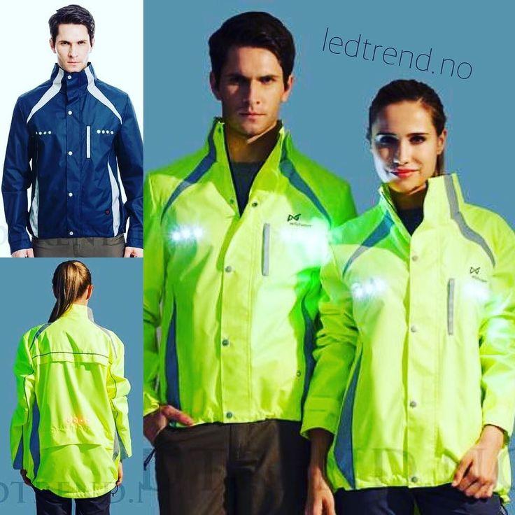 Sjekk ut disse LED-jakkene fra ledtrend. Passer perfekt når du er ute å sykler jogger eller bare tar deg en tur i høstmørket. Pris på de her 699- #ledtrend #ledjakke #jakke #mote #blisettimørket #refleks #brukrefleks #mote #jogger #løper #løpetrening #sykler #sykling #sykkel #sykkelglede #sykkelioslo #gave #julegave #jul2016 #pappagave #joggeute