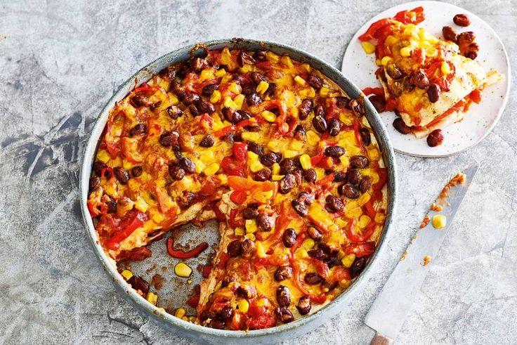 Kun je niet kiezen tussen Italiaans en Mexicaans? Geen probleem met deze vegetarische lasagne. - Recept - Allerhande