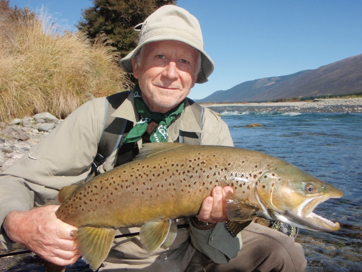 Ian, who stayed with us with 7 of his mates from the NSW Rod Fishers club, stayed and fished with us last week for 4 days. Here he is with his largest catch a stunning 8lb brown.  www.OwenRiverLodge.co.nz