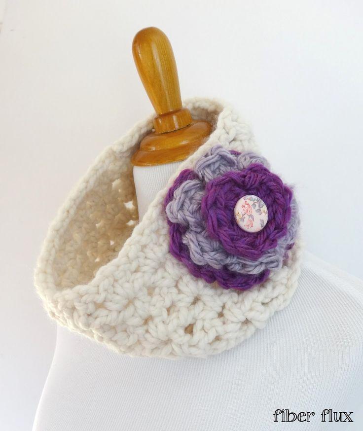 Free Crochet Pattern...Marshmallow Lace Cowl!
