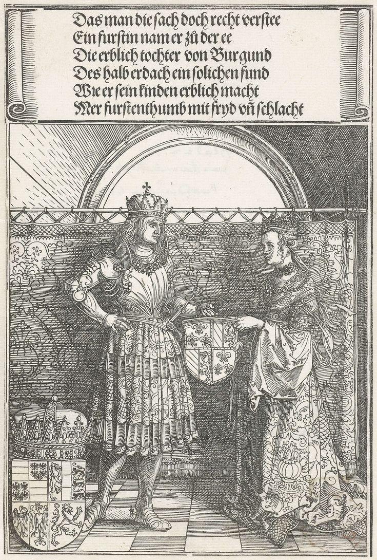Albrecht Dürer | Het Bourgondische huwelijk: Maximiliaan trouwt met Maria van Bourgondië, Albrecht Dürer, 1515 | Maximiliaan en Maria van Bourgondië, naast elkaar staand voor een gordijn, houden samen een wapenschild vast. Links naast Maximiliaan is nog een wapenschild zichtbaar. Boven deze voorstelling een Duitse tekst in gotisch schrift. Detail van de triomfboog van keizer Maximiliaan I.