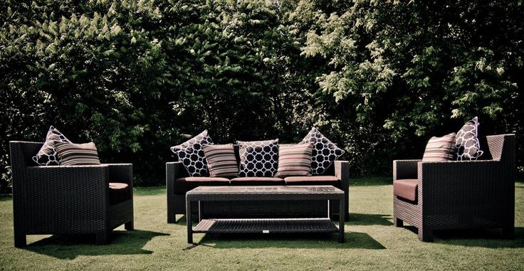 Mirage Conversation Set!  3 Seater Sofa  2 Single Chairs 1 Coffee Table 6 Pillows 16 Gauge Aluminum Framing