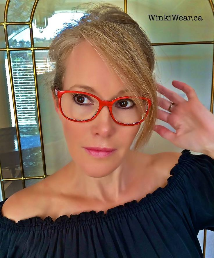Frame of the Week - Tournai from Etnia Barcelona. This one is silky red from the front with a splash of colorful print on the back.