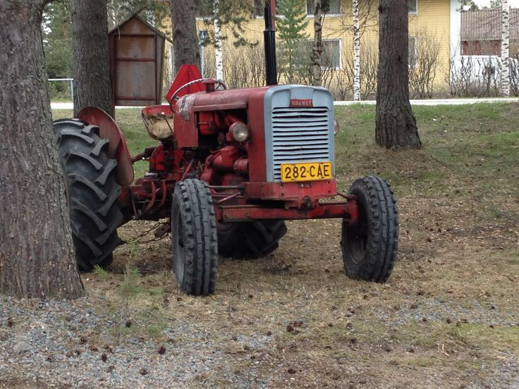 Valmet 361 D from forest.