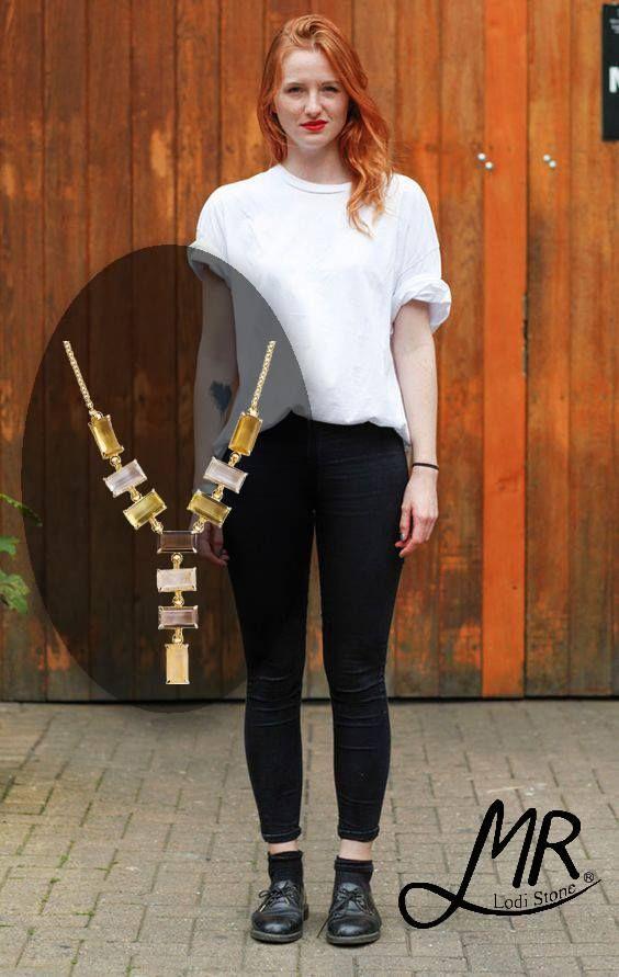Inspire-se: De um UP instantâneo naquele look básico e coringa  #moda #adoro #adoropresentes #joias #acessorios #colar #mrlodi #necklace #look #lojaonline #lojavirtual #fashion #modafeminina #womansfashion