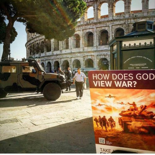 Today preaching time with many militaries in front of the Colosseum  many of them are intrigued by the argument of the watchtower of this month!  @sit_chicco thank you
