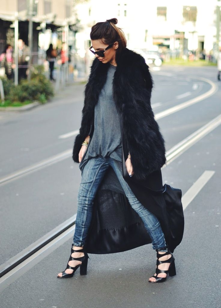 MAJA WYH- a dramatic, oversized coat is the PERF accessory for those relaxed jeans!: