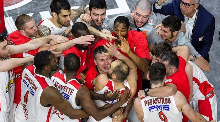 At the Semi Final of Final Four Madrid 2015 Olympiakos BC against all odds defeated CSKA Moscow which spent 30 million euros to get the trophy.Olympiakos played with heart and soul and did it!The final score CSKA Moscow Olympiakos 68-70!!!
