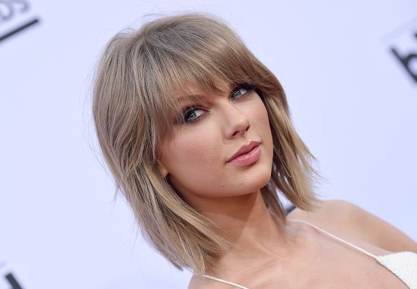Taylor Swifts hair stylist is cooler than Taylor Swift