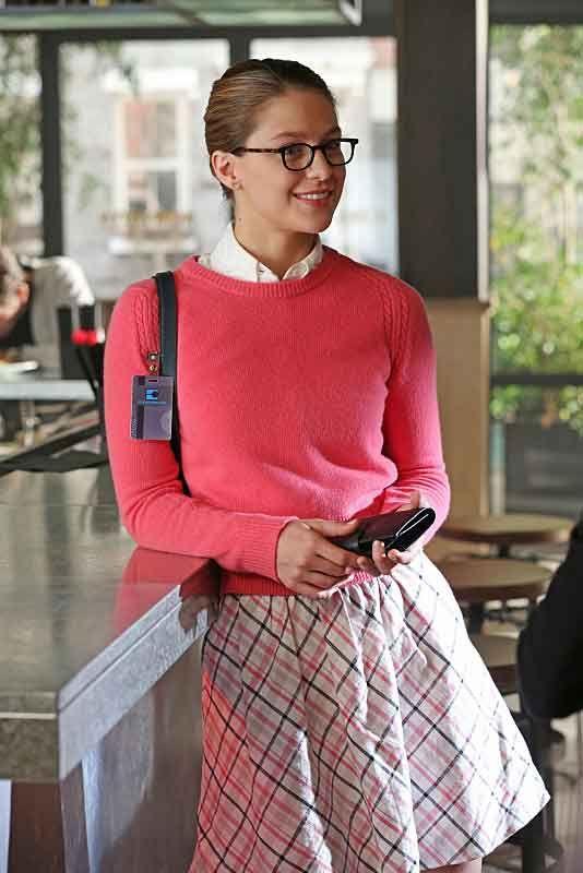 #Supergirl Melissa Benoist is so cute #styleinspire