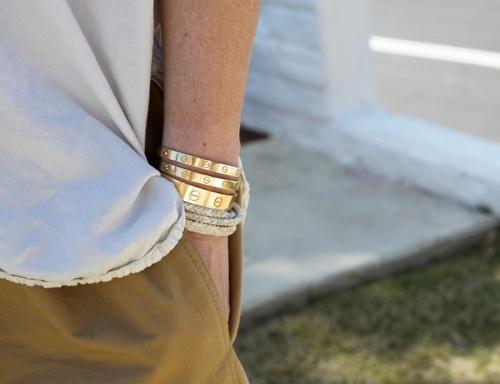 золотые браслеты..