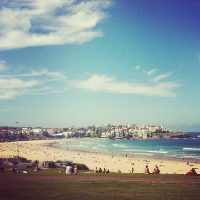 Bondi Beach, Sydney. Oh what I would give to be working back at this beach again... *Sigh*
