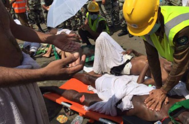 453 muertos en una estampida en La Meca. Temen que el número de víctimas mortales aumente. Hay 450 heridos. http://www.argnoticias.com/mundo/item/37712-220-muertos-en-una-estampida-en-la-meca