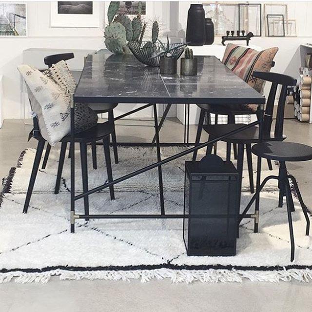 #bruunmunch #J111 #danish #design #scandinavian #producedindenmark #style #craftmanship #interiordesign #madeindenmark #chair #diningchair #nordic #newnordic #nordicdesign #nordicliving #interiordesign #interior #home #wood #woodfurniture #oak #homedecor #decor #inspiration #nordicdesign #wood #furniture #woodfurniture #laminate #black #cactus