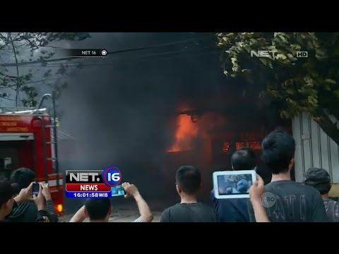 Akibat Pembakaran Sampah, Gudang Karpet Terbakar di Bekasi - NET16 - YouTube