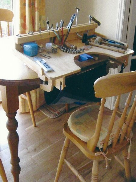Table top jeweler's bench..made in ENGLAND...a great idea!  #jewelrymaking #studio
