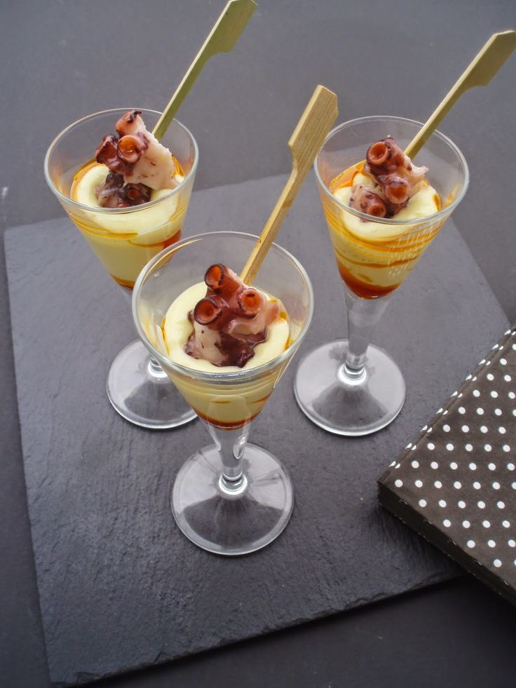 PASEN and taste : CHUPITOS OCTOPUS AND CREAM OF POTATO .
