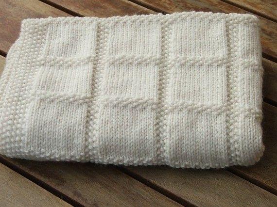 Cobertor de bebê em tricô. Quentinho e bonito.