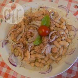 Foto della ricetta: Insalata di tonno, fagioli e cipolla rossa