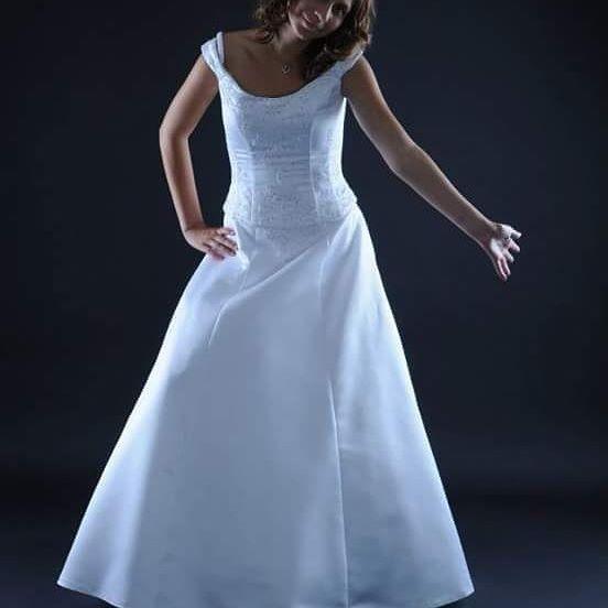 Svatební šaty k zapůjčení i prodeji Velikost: 38