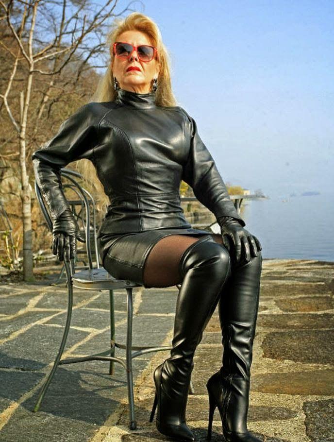 Sexy Mature Ladies: Sexy Mature Ladies 226 | I love latex ...