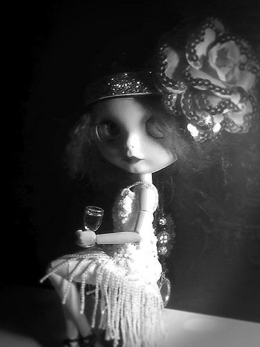 "Blythe-a-Day January 15: ""She's So Unusual"": The Girl in the Shadows: Part 1 