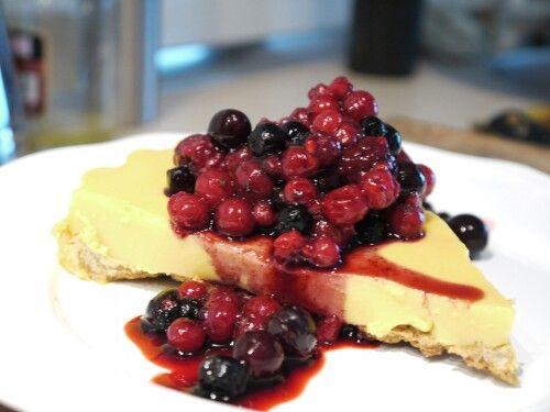 This would happen very soon. Recipe from Fit Food Market @vikika_fit http://fitfoodmarket.es/2013/10/30/receta-fitness-cake-crujiente-de-vainilla-con-arandanos/