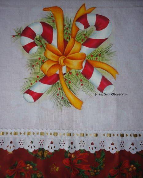 Pano de copa com pintura de natal;    Feito em tecido de sacaria branca, medindo 70 x 45 com barrado de tricoline...    Por se tratar de um produto feito a mão., os tecidos podem mudar de acordo com a disponibilidade