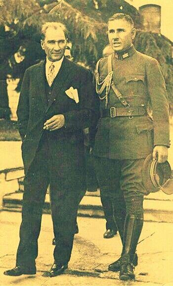 """✿ ❤ """"Ağır bir hastalığın nöbetleri içinde, ölümü iki gözleri ile görmüş gibi olanlar vardır. Ben iki gözümle battığımızı gördüm ve kurtulduğumuzu gördüm. Mustafa Kemal'i unutamam. Gençler, bizim çektiklerimizi çekmemek ve bu halka çektirmemek için, siz de Atatürk'ü unutmayınız. Mustafa Kemal bizimdi. Atatürk sizindir. """" Falih Rıfkı Atay"""