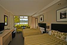 DH Te Anau - Lakeview Room Distinction Hotels Te Anau, Hotel & Villas