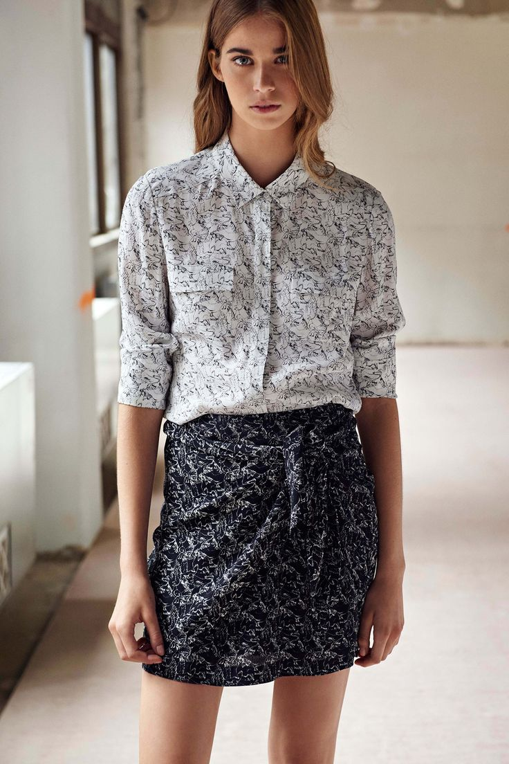 Comptoir des Cotonniers Spring 2016 Ready-to-Wear Collection Photos - Vogue note: great collar