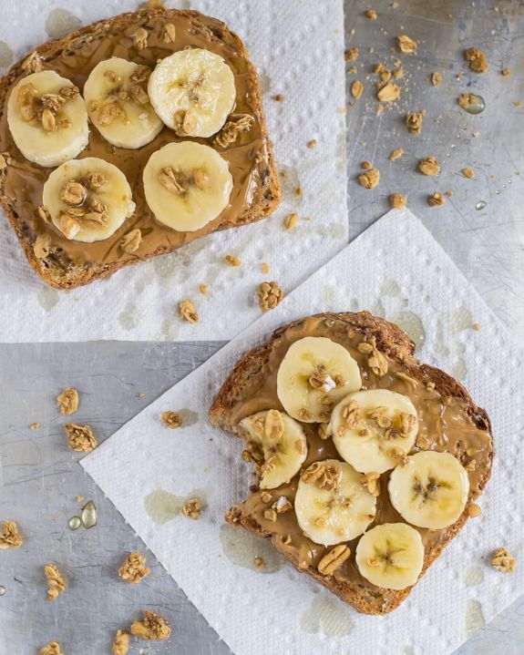 The best breakfast, after school snack or emergency dinner. Toast with peanut butter, bananas, honey, and granola. Crunchy, creamy, sweet, and satisfying!