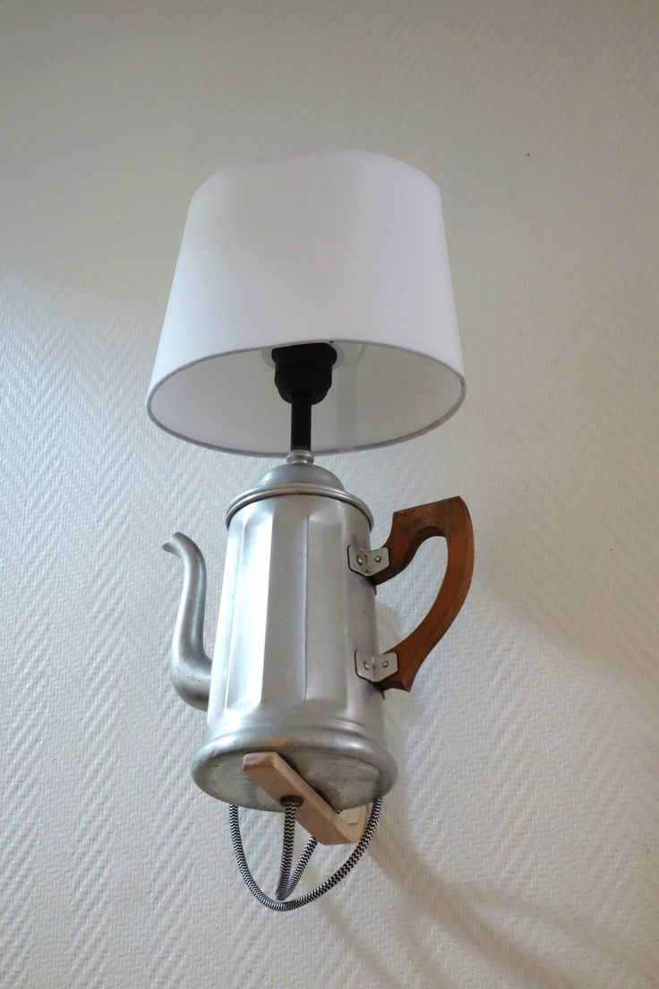 Pour la lumières, une cafetière aussi, ça fait l'affaire :-)