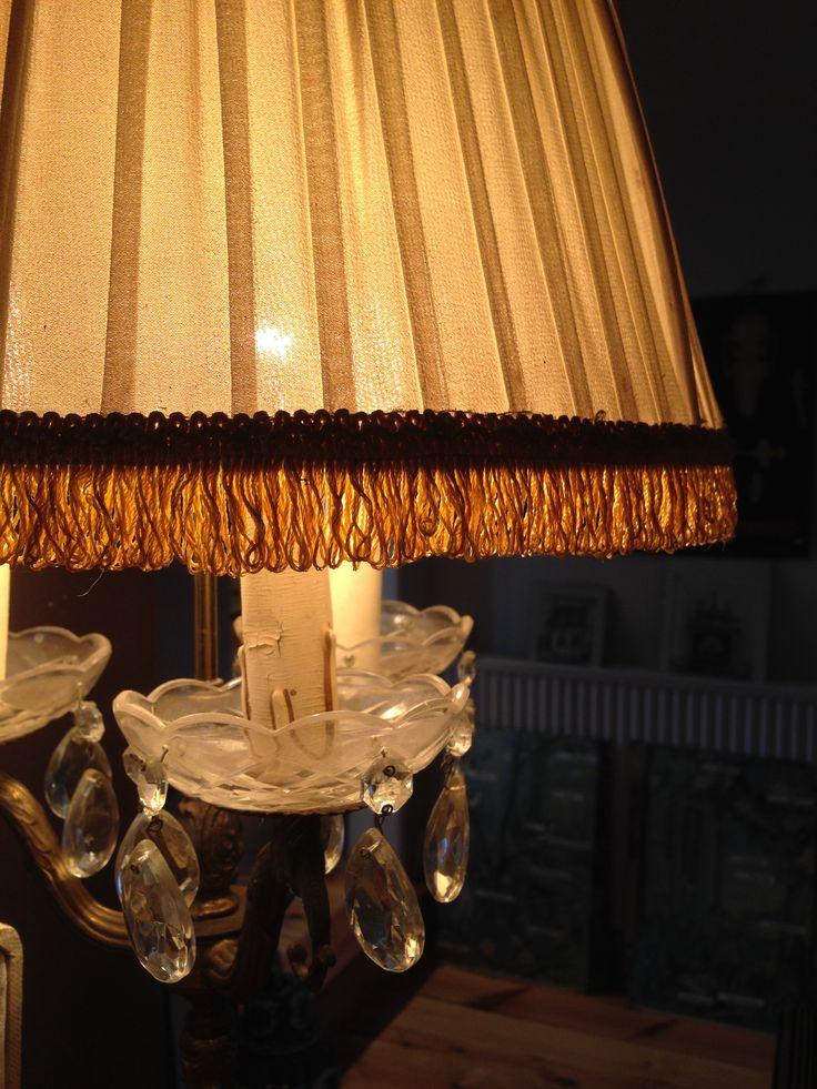 Stoffen lampenkap met franjes en stenen