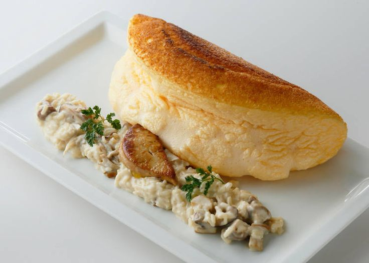 フランスの世界遺産「モン・サン=ミシェル」で120年以上続くレストラン「ラ・メール・プラール」。